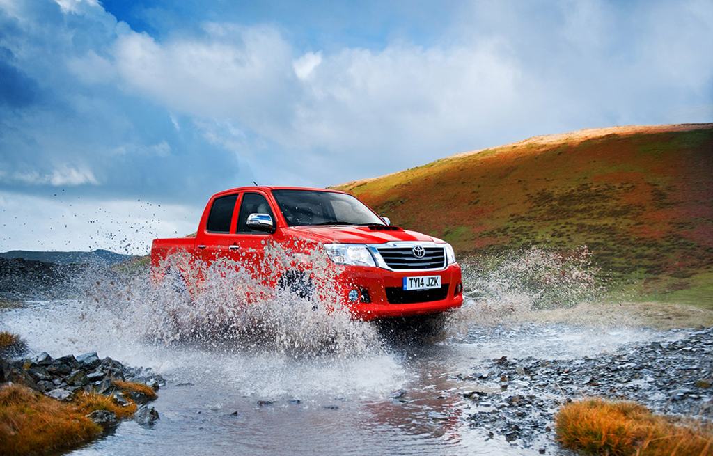 A new & used Hilux revo importer